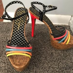 Jessica Simpson heels !